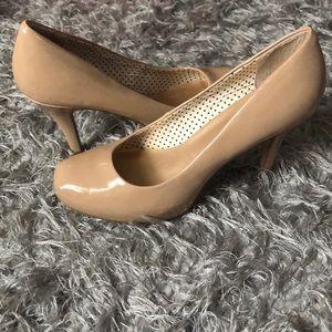 Plain nude heels